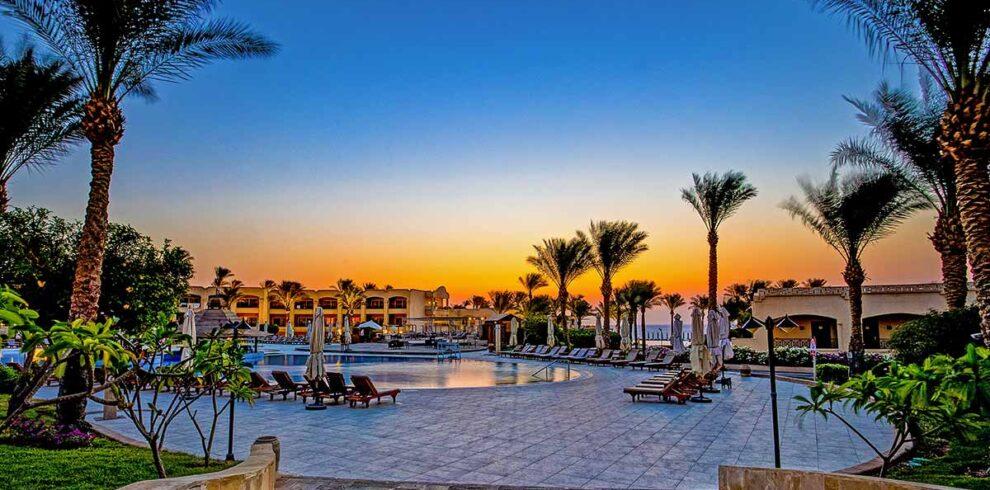 Cleo-Sharm-Exterior-Sunrise